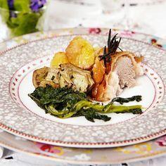Ugnsstekt lammsadel med rosmarin och vitlök, ugnsstekt potatis