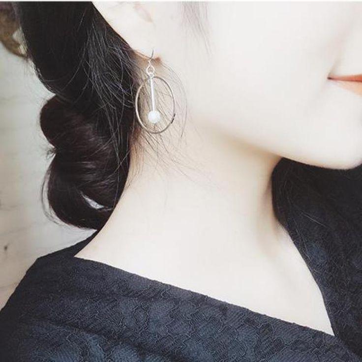 New Fashion Jewelry Women Lady Elegant Round Pearl Geometric Alloy Hollow Pearl Beads Ear Dangling Earrings For Women Brincos