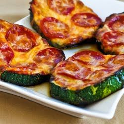 "Delicious low-carb zucchini ""pizza."""