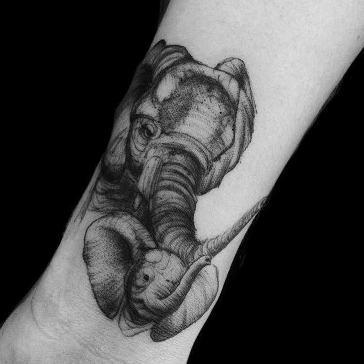 Elefantes familia Black worck Tattoo by @adrian.higuita