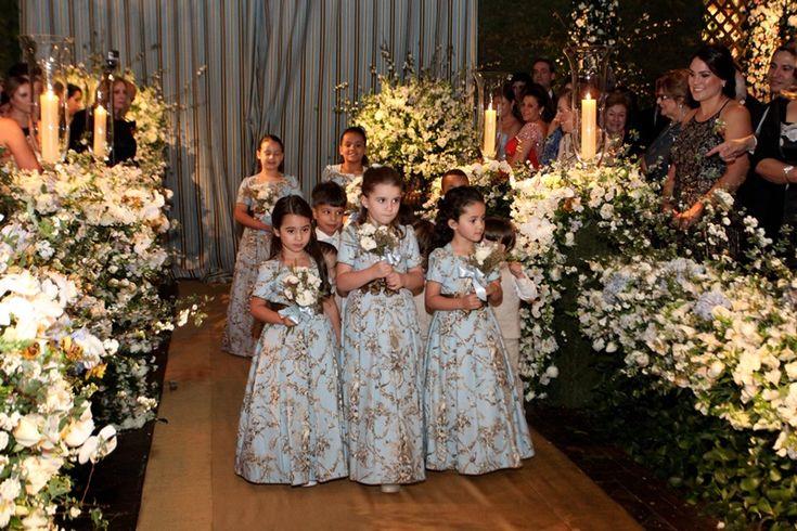 Casamento moderno: vestido estampada para daminhas