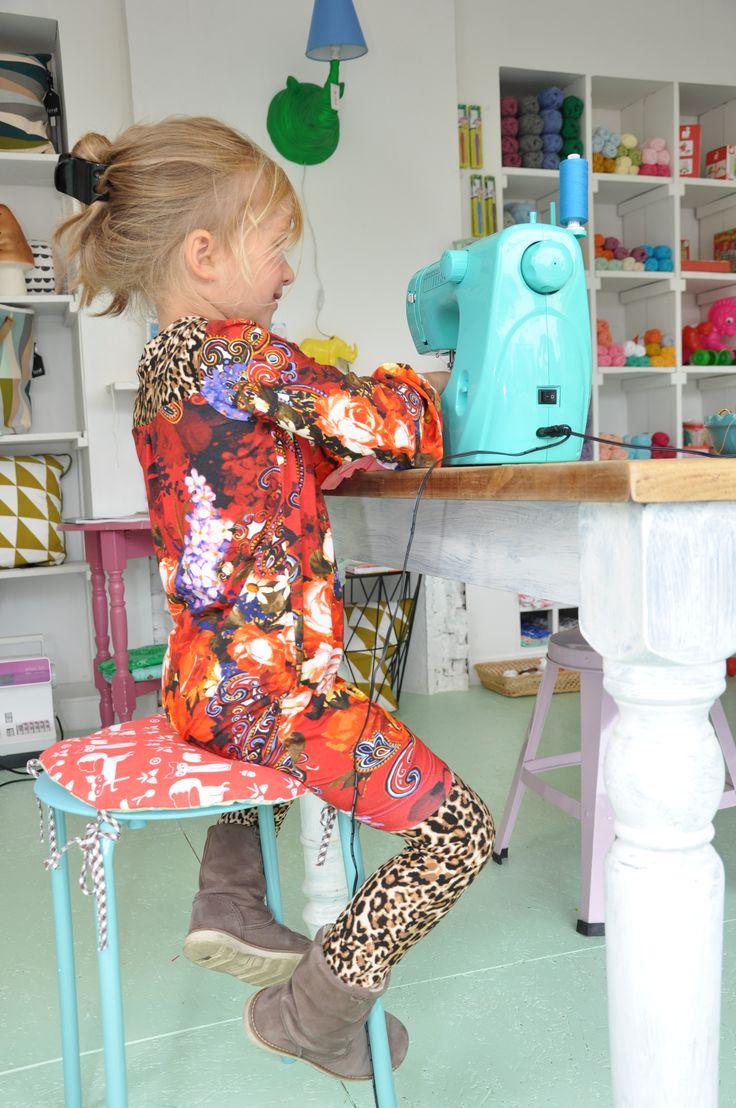 Pippa Rose richt zich op hippe en stoere meisjes kleding in de maat 98-104 t/m 134-140.