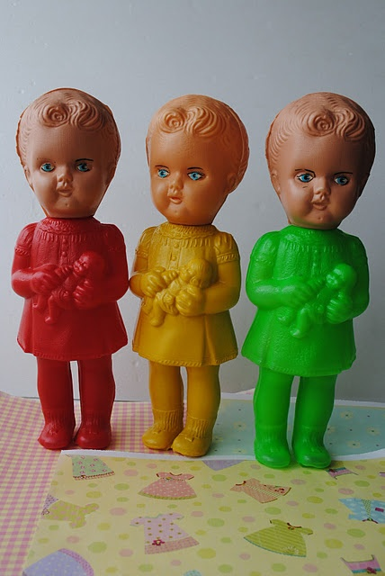 antigas bonecas de plastico