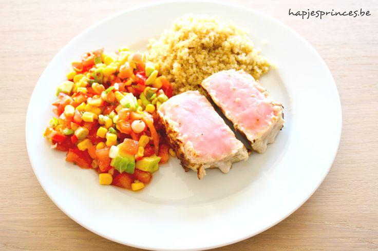 Gegrilde zwaardvis met quinoa en mexicaanse salsa. Een recept met zwaardvis van Jeroen Meus die gezond en lekker is. Mijn blog staat vol gezonde recepten.