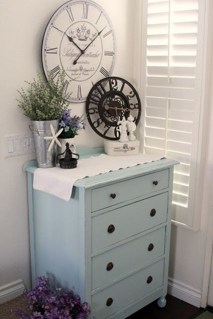 robyn's egg blue with accents of black & white