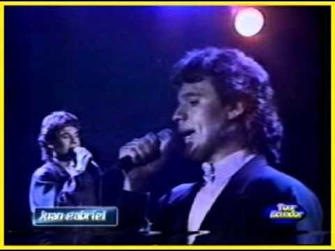 JUAN GABRIEL - COSTUMBRES - SABADO SENSACIONAL - 1986 - YouTube                                                                                                                                                                                 Más