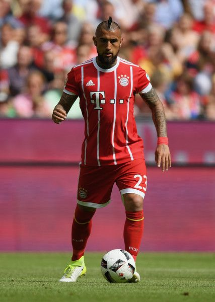 Arturo Vidal of FC Bayern Muenchen controls the ball during the Bundesliga match between Bayern Muenchen and SC Freiburg at Allianz Arena on May 20, 2017 in Munich, Germany.