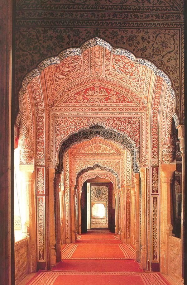 Palais du Rajasthan  Jain Temple, #Udaipur, #Rajasthan, #India  Beautiful Rajasthan Visit