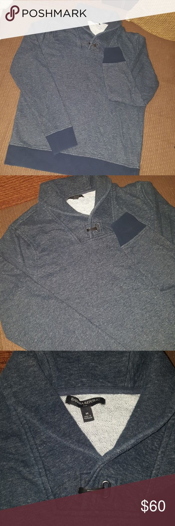 BANANA Republic sweater  with  chinese collar BANANA Republic  sweater with  chinese collar & nice buckle Size MEDIUM  Blue No rips No stains  No fade No holes  Odor free 100%  Cotton Rarely used  Make me an offer Banana Republic Sweaters
