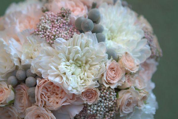Romántico ramo de novia de Flores en el Columpio