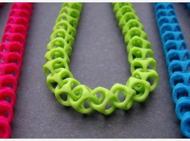 3d print necklace Like 3D printed #jewelry? Morpheus custom makes jewelry from images using 3d printing technology http://www.morphe.us.com/