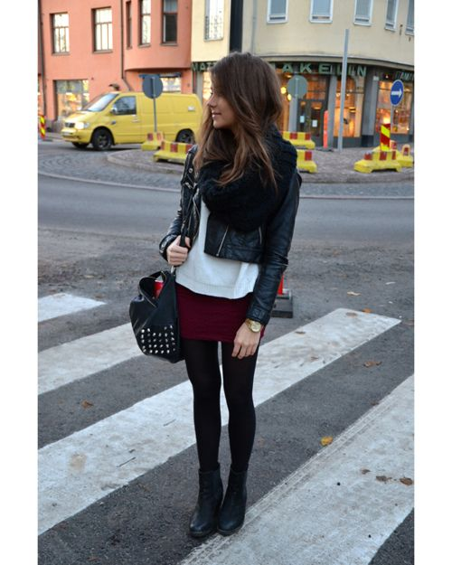 skirt, jacket, scarf, tights, booties, fall, winter, fashion: Minis Skirts, Burgundy Skirts, Fall Wins, Street Style, Skirts Outfits, Leather Jackets, Fall Fashion, Rocks Style, Black Tights