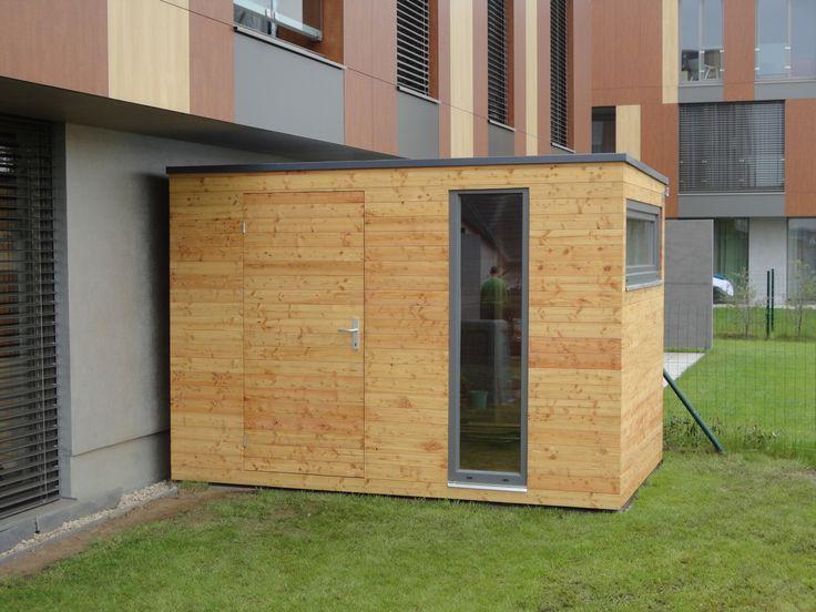 Zahradní domek NATURHOUSE S7. Krásný designový domek s dvěma okny, vhodný pro uskladnění zahradního nářadí.