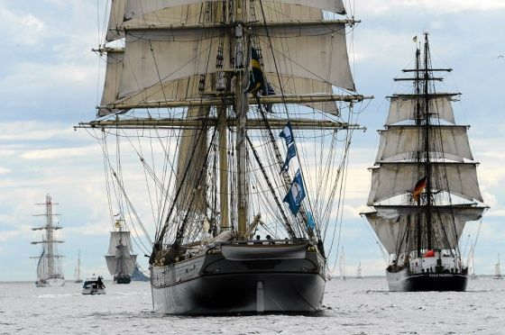 Kuva: Leif Rosas -- Lue juttu: Tall Ships' Races -tapahtuman huipennus houkutti yleisömeren rannoille heinäkuussa