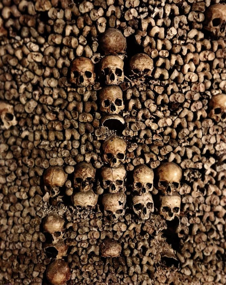 If You Can't Go See The Paris Catacombs, These Photos Are The Next Best Thing.  Paris Catacombs #Travel and #Discovery.