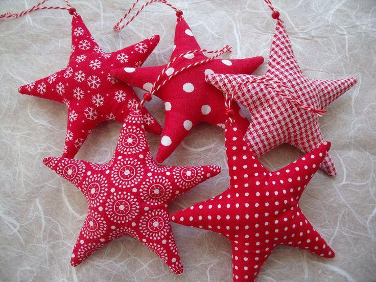 5 kleine Deko-Sterne in rot/weiß.... von Funkellichter auf DaWanda.com