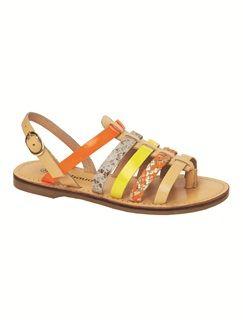 #Nu-pieds cuir sélectionnés par @missbrownieblog pour Chichi sur www.vertbaudet.fr