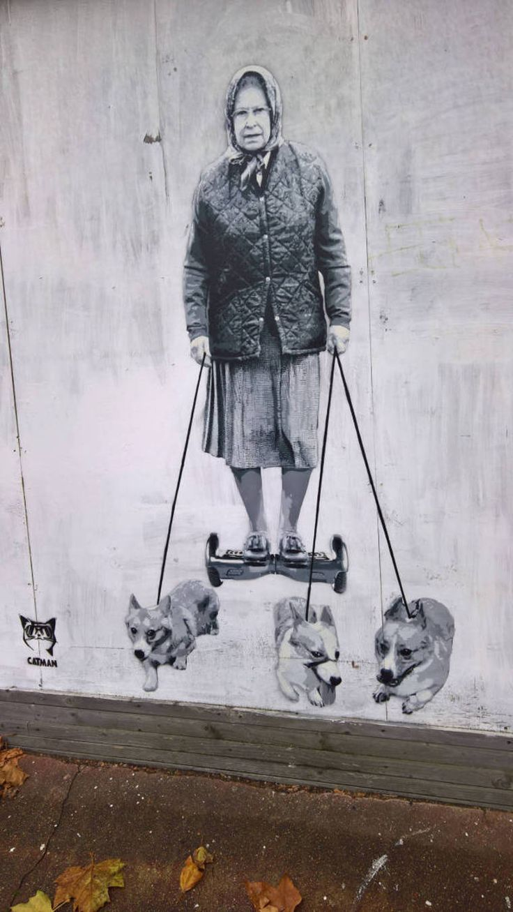 Transport royal ! / La reine Elisabeth et ses chiens. / Queen Elisabeth and her dogs. / Street art.