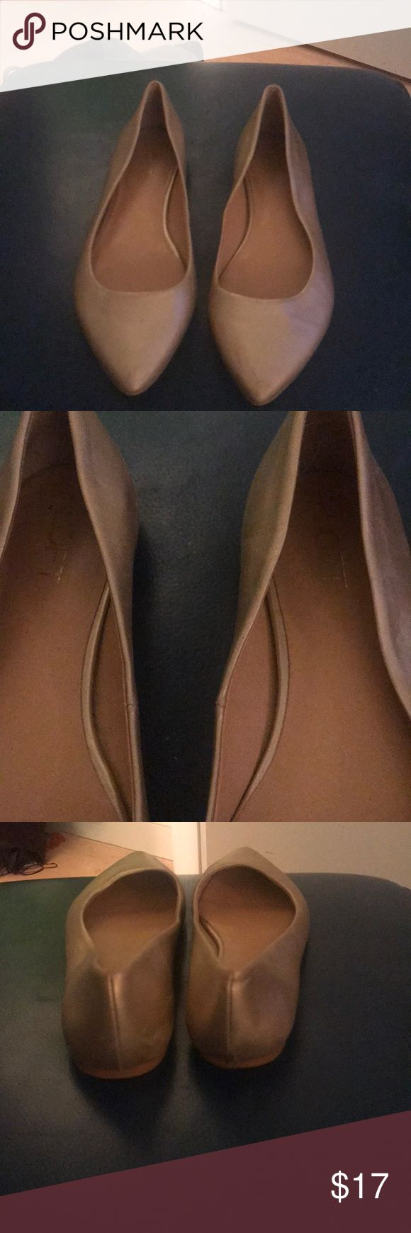 Anne Taylor Loft gold flats size 8.5 Anne taylor loft gold flats size 8.5   Worn a few times , great condition anne taylor loft Shoes Flats & Loafers