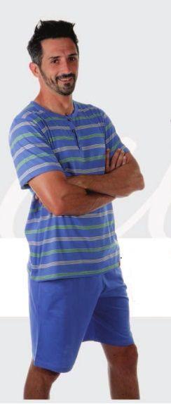 Pijama verano hombre de la firma land. Suéter de punto fondo azulón con rayas en verde lima, cuello panadero, pantalón liso en azulón con bolsillos en los laterales. Composición: 100% algodón. http://www.perfumeriaelajuar.com/homewear/pijamas-hombre-verano/00004266/pijama-verano-hombre-listado.html