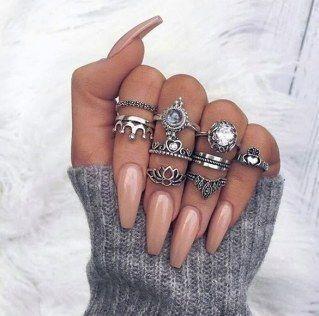 Schön oder schlecht? Künstliche Fingernägel feiern ihr Comeback – #Comeback # …   – Nageldesign