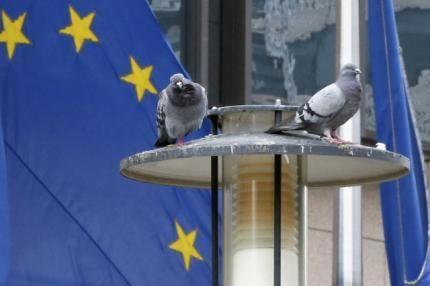 Bolsas da Europa ficam no vermelho com petróleo e bancos - http://po.st/5v9HD5  #Bolsa-de-Valores - #Bancos, #Europa, #Petróleo