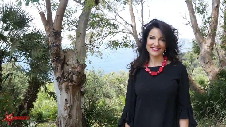 Intervista a Annalaura di Luggo - Progetto OCCH-IO Produzione: www.officinacreativa.us Web: www.ragazze.it #video #intervista #arte #fotografia