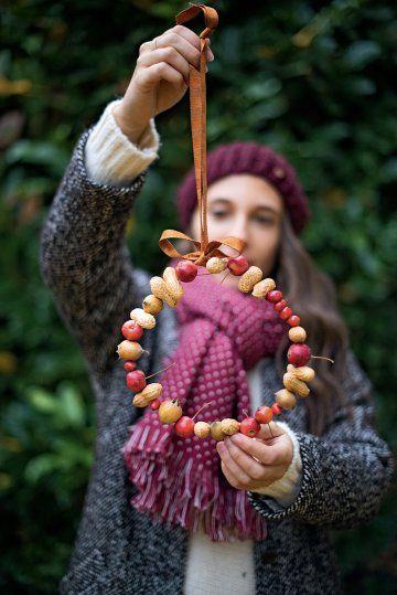 How to feed birds during winter ? - Des DIY pour nourrir les oiseaux durant l'hiver - Une couronne pour les oiseaux - Marie Claire Idées