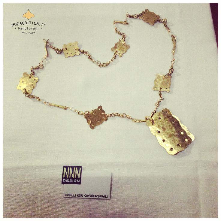 Handmade jewellery. #modacritica #handmade #madeinitaly #carrousel #milan Pictures and stories on Modacritica.it