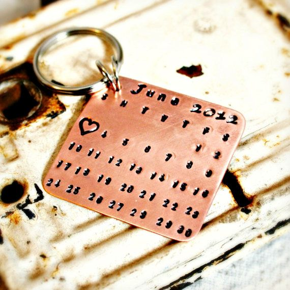 Seventh wedding anniversary = copper  Copper key chain handstamped with significant special date (Via @latuv etsty) http://www.etsy.com/listing/125054708/calendar-keychain-hand-stamped-copper