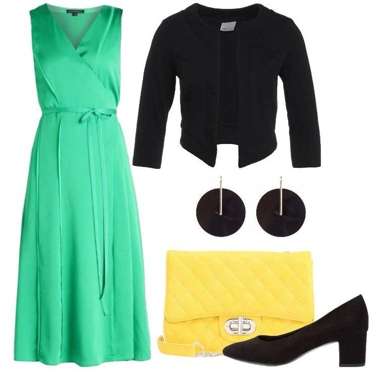 Un outfit composto da un vestito verde, un balzer nero, un paio di tacchi neri e una borsa a tracolla gialla, è perfetto per una cerimonia o per una serata elegante.