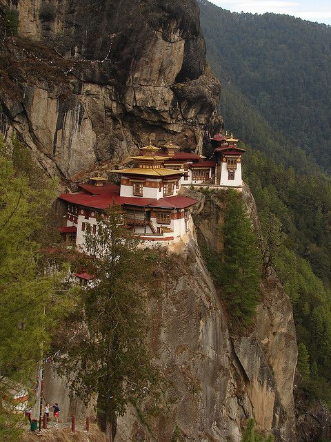 The famous Tiger's Nest Monastery in Paro Valley, Bhutan (by Travelmanic).