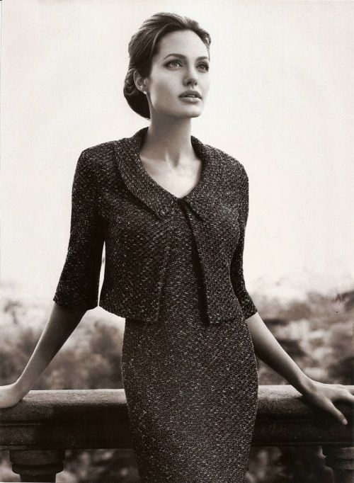 Classic tweed sheath and jacket. LOVE. With this jacket unbuttoned it would look AMAZING