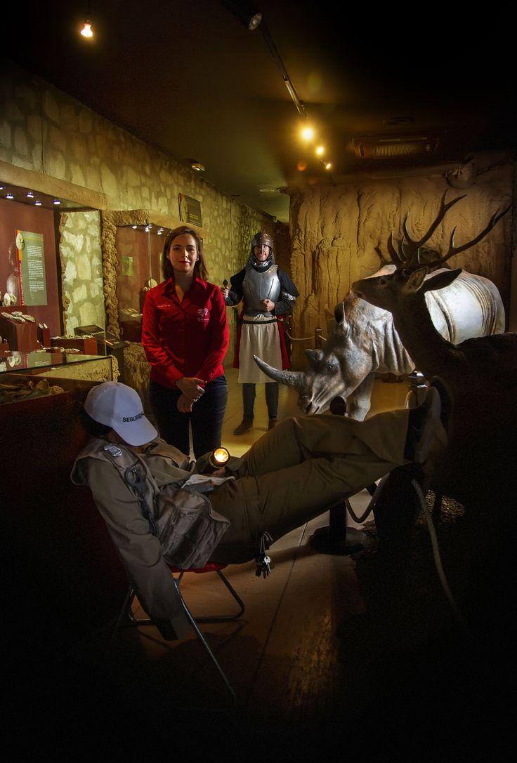En el Museo Arqueológico y Etnológico de Lucena suceden cosas extrañas al caer la noche ... Si quieres descubrir qué pasa, te esperamos el 27 de Junio a las 21,00 horas.