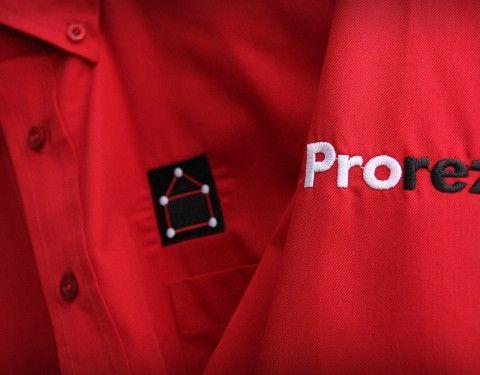 Positionnement de la marque, logotype, papeterie, code vestimentaire, envois ciblés aux architectes, site Internet, documents de présentation, kiosque sur mesure, design de mobilier et signalétique extérieure. En phase deux, une sous marque, Polylam C, conception d'une identité visuelle.