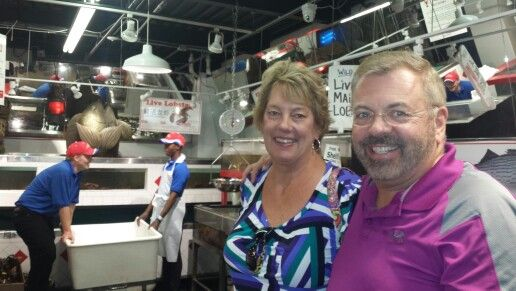 A delightful lunch at Pittsburgh's famous fish and seafood wholesale supplier Restuarant Wholey's Fish Market