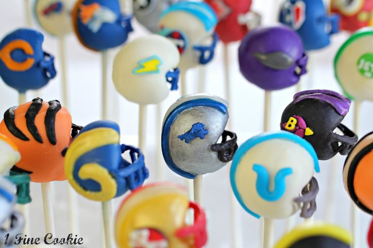 Football helmet cake pop decorating instructions for EVERY. SINGLE. NFL. TEAM. (Awesome!)