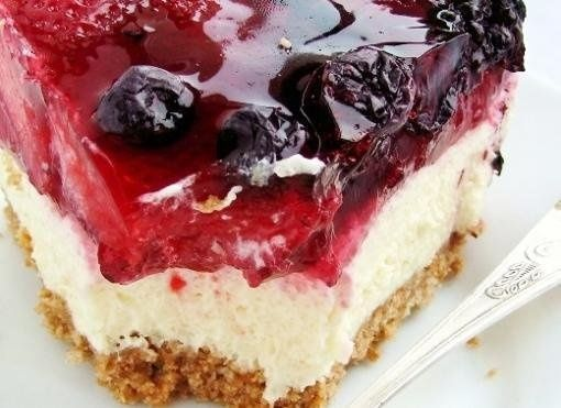 Cake with cream ... mmmm ... (by clicking on the image available recipe!) #cake #recipe #cooking #delights #recipes #pride