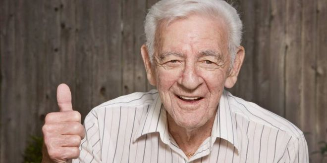 Ученые: 20 и 80 лет - самые счастливые периоды в жизни человека.