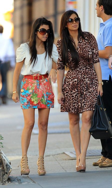 i have a small obsession with kourtney kardashian emrobee..i would kill for that skirt.