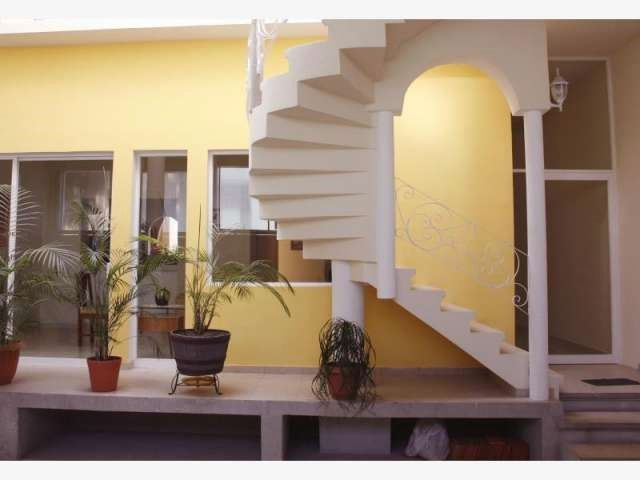 CASA EN VENTA QUERETARO, ARBOLEDAS  CASA Y OFICINA. 500 m2 de construcción en un terreno de 265m2, Casa de 2 recámaras en P.B. y 5 ...  http://queretaro-city.evisos.com.mx/casa-en-venta-queretaro-arboledas-1-id-574247