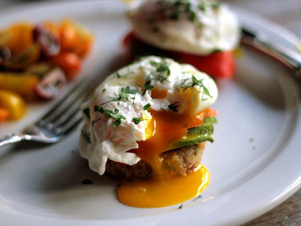 Quinoa Cakes with Avocado, Smoked Salmon and Poached Eggs