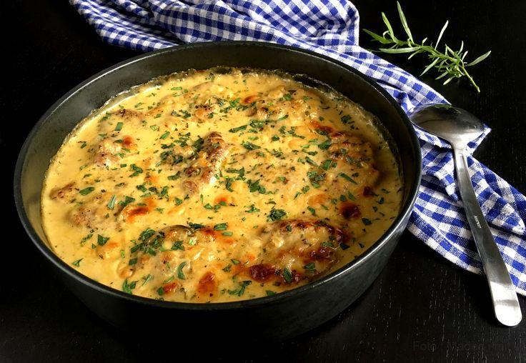 Forrygende opskrift på en skøn mørbrad med sennep og estragon i flødesauce - nem og lækker aftensmad, som også sagtens kan bruges til gæstemad.
