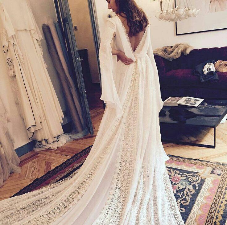Vestido de novia de Helena Mareque visto en @perfectweddingblog instagram