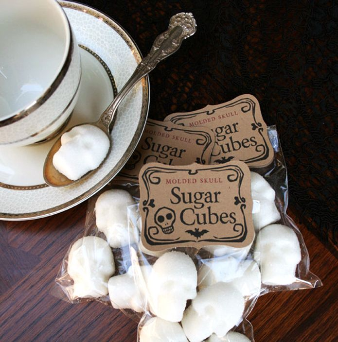 SKULL SUGAR - 1 Bag of Four Skulls sugar skulls Gothic Gift