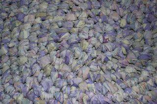 perlenhuhn diy upcycling h keln teppich aus bettw sche crocheting carpet from old bed linens. Black Bedroom Furniture Sets. Home Design Ideas