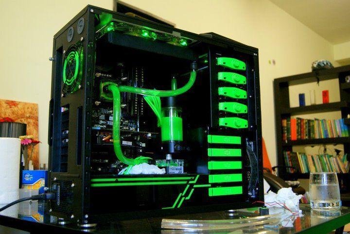Green and black Cooler Master HAF 922