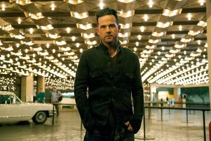 "NEWS: The country artist, David Nail, has announced a run of U.S. headlining tour dates in support of his third album, ""I'm A Fire."" Sam Hunt will join Nail on this trek, as a supporting act. You can check out the dates and details at http://digtb.us/davidnailtour"