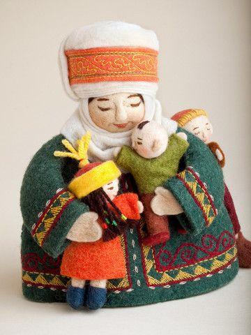 Felt doll with Kids International Folk Art Market, Santa Fe NM Erkebu Djumagulova - Kyrgyzstan