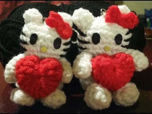 Kitty Mariquita Amigurumi : Tutorial Hello Kitty alluncinetto amigurumi - miniatura ...